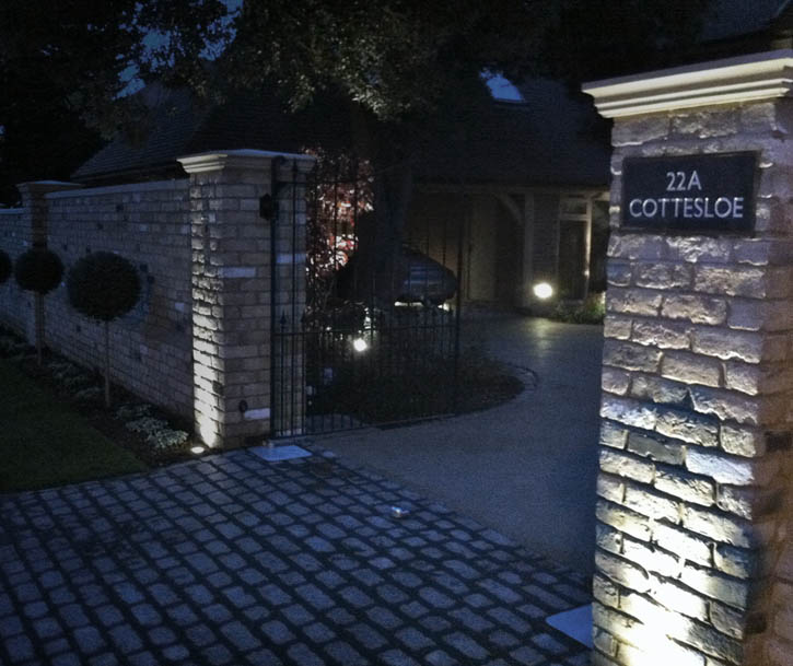 Outdoor Garden Uplighting