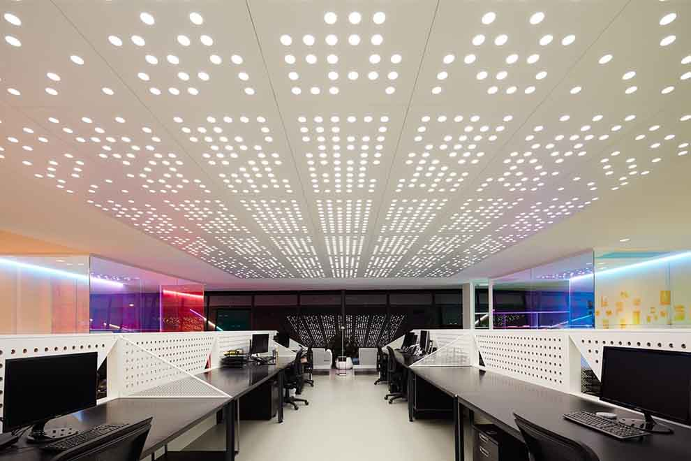 Creative Corrective Lighting for Offices