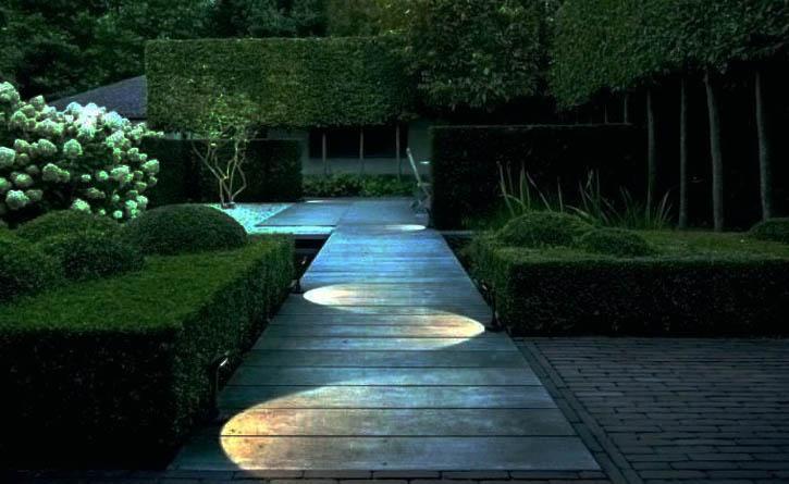 Outdoor Solar Path Lighting