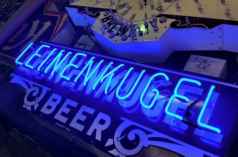 How Neon Signs Work